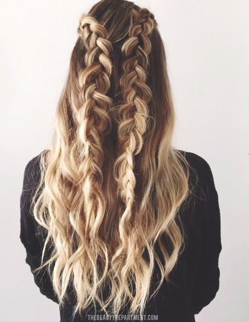 girl with frizzy hair style